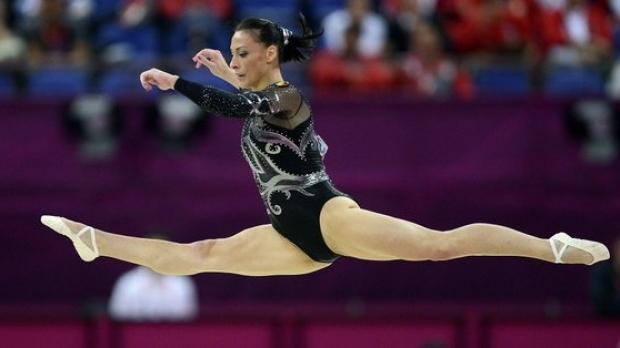Foto: Felicitări, Cătălina Ponor! Aur pentru România la Cupa Mondială la Gimnastică Artistică de la Baku
