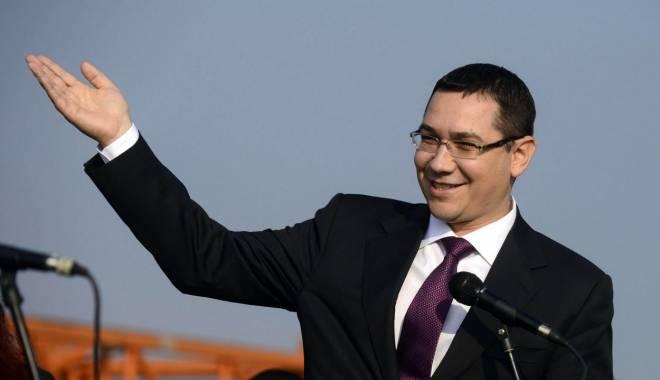 Foto: Victor Ponta s-a întors în ţară