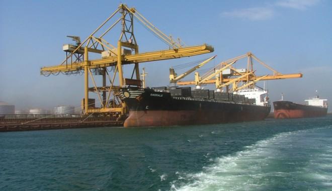 Porturile româneşti au derulat cu 7,28% mai puţine mărfuri - port-1374168434.jpg