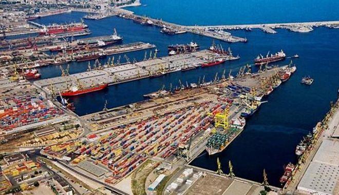 Comerţul cu cereale a adus cel mai mare profit din istorie Administraţiei Porturilor Constanţa în 2020 - port-1623586035.jpg