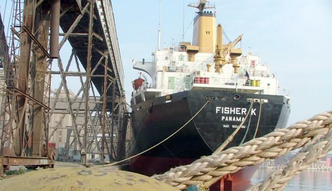 Foto: Câte nave şi-au anunţat sosirea în porturile româneşti