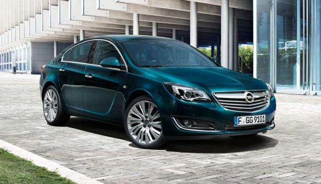 """Foto: """"Porţi deschise"""" la Rădăcini Motors. Constănţenii au făcut cunoştinţă cu noul Opel Insignia"""