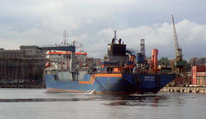 """Foto: Portul Constanța relansează """"războiul pescajelor"""", la Marea Neagră"""