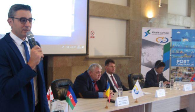 """Foto: Portul Constanța face """"pârtie"""" pentru comerțul cu Orientul Mijlociu"""