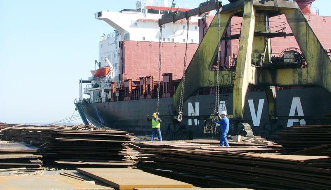 Foto: Portul Constanța a pierdut 80% din locurile  de muncă din sectorul de operare, în trei decenii