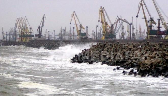 Maxime de 9 grade Celsius și vânt puternic în Constanța - portulconstantavant-1318836560.jpg