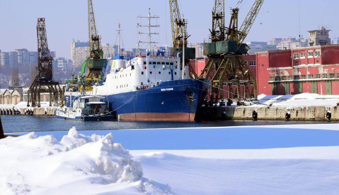 Foto: Porturile maritime au pierdut venituri de peste 3 milioane de euro, în doar patru zile