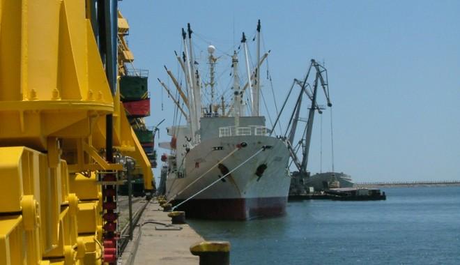 Foto: Ce investiţii realizează administraţia portuară