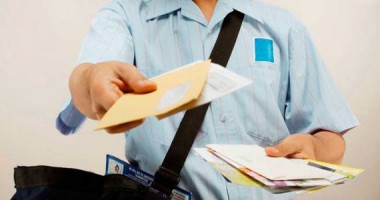 Foto: Poştaşii, evaluaţi de două ori pe an, pentru că sunt prea mulţi