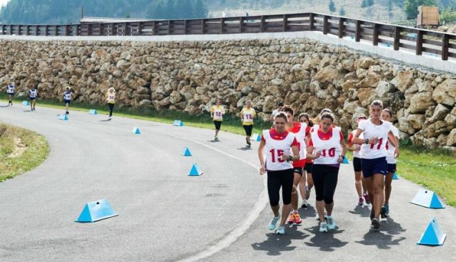 Foto: Poştaşii constănţeni concurează la Marşul Factorilor Poştali