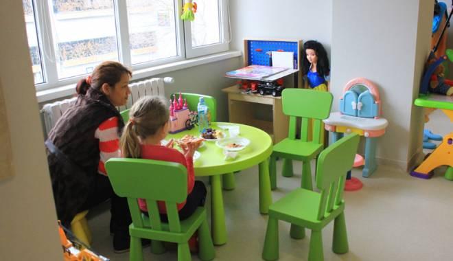 Foto: Poveştile cutremurătoare  ale copiilor abandonaţi  în Spitalul Judeţean Constanţa