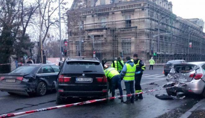 Foto: Şoferul drogat, care a lovit maşinile oprite la semafor, ARESTAT