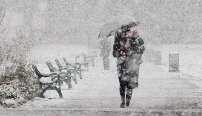 Foto: ATENŢIONARE METEOROLOGICĂ. Se întoarce iarna: cod galben de ninsori şi vânt puternic