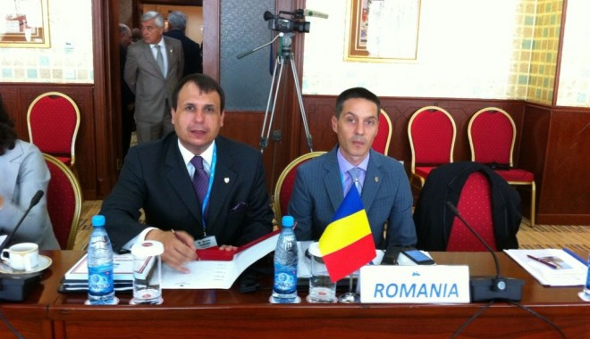 Foto: La ce întrunire participă senatorii Vasiliev şi Mazăre