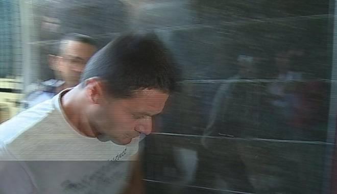 Foto: UPDATE. CIRC ÎN PORTUL TOMIS. Cum a încercat un poliţist de la IPJ Constanţa să scape de DNA. Subcomisarul a fost arestat