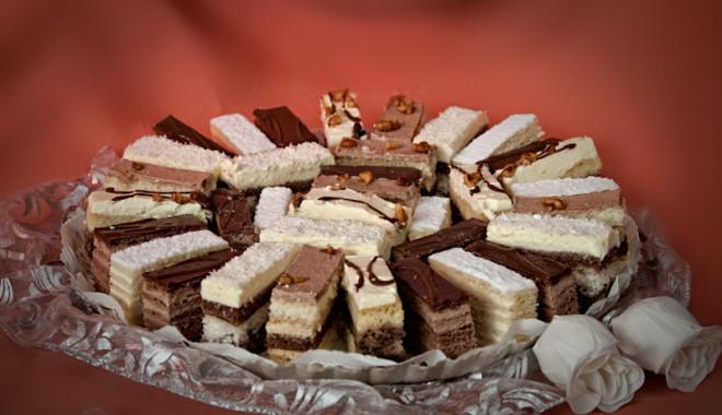 Foto: Prea multe prăjituri  vă predispun  la cancer!