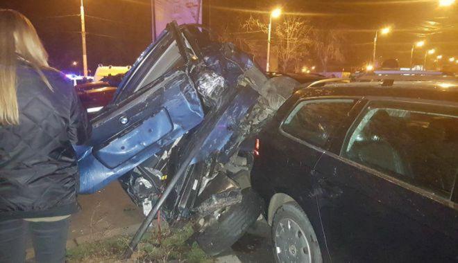 O şoferiţă a făcut prăpăd în zona Gării CFR. A lovit nouă maşini - prapad3-1518546580.jpg