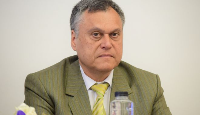 """Foto: """"Afaceri"""" dubioase cu terenuri. Fostul prefect Adrian Nicolaescu, trimis în judecată de DNA"""