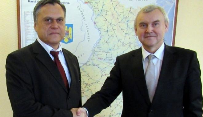 Foto: Ambasadorul Republicii Belarus, în vizită la prefectul Constanţei