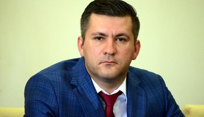 """Foto: """"Am ales să plec din PNL deoarece  era un partid mort, mic şi de familie"""""""
