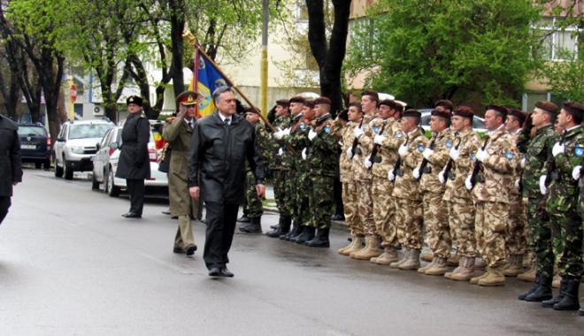 Foto: Prefectul Adrian Nicolaescu a marcat Ziua Forţelor Terestre
