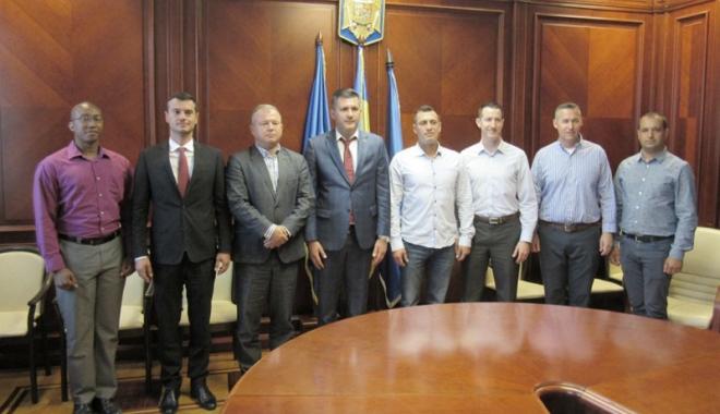 Foto: Parteneriatul româno-american, promovat la Prefectura Constanţa
