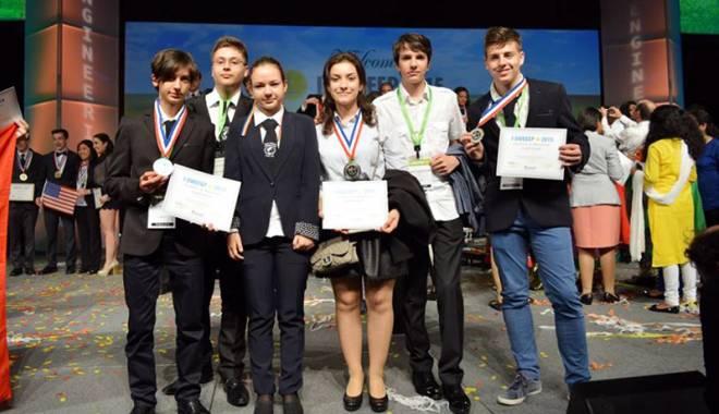 Foto: Premianţii de la Houston  împărtăşesc experienţa colegilor