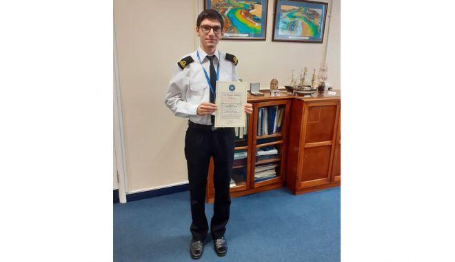 Ofițer de marină, instruit în oceanografie, apreciat în Marea Britanie - premiatmarinarsursafortelenavale-1610392096.jpg