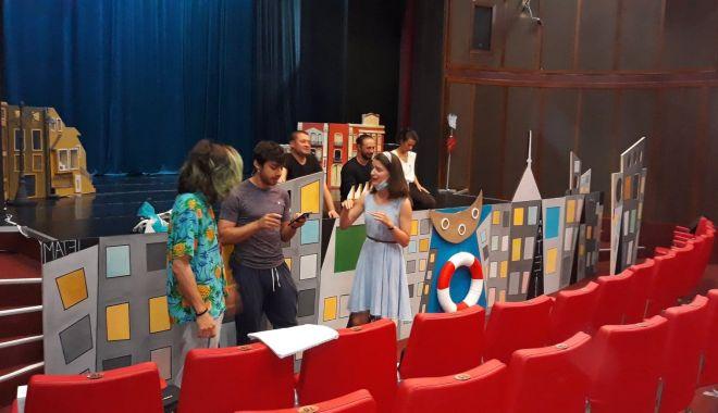 Repetiții în toi la Teatrul pentru Copii și Tineret