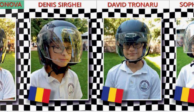 Foto: Club de matematică pentru elevii pasionaţi  de maşini de curse