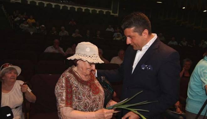 Foto: Primăria Constanţa. Festivitate de premiere a vârstnicilor de 80 de ani