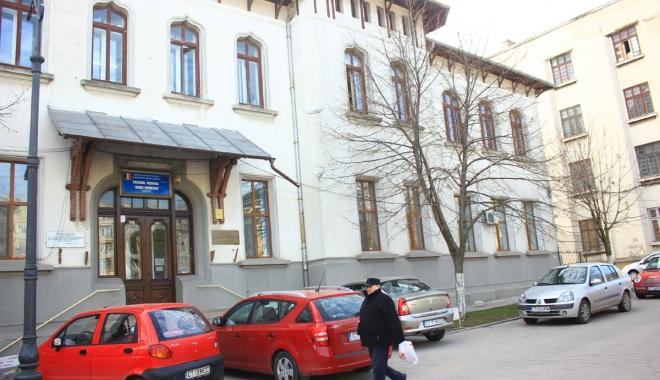 """Foto: Premieră în învăţământul constănţean:  gimnaziu la Colegiul  """"Mihai Eminescu"""""""