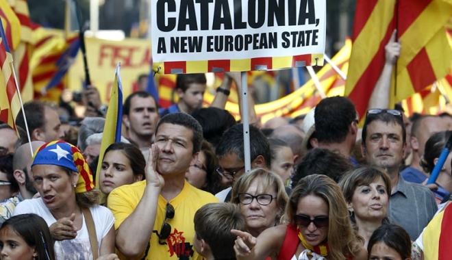 Foto: Premierul spaniol, mesaj pentru catalani:
