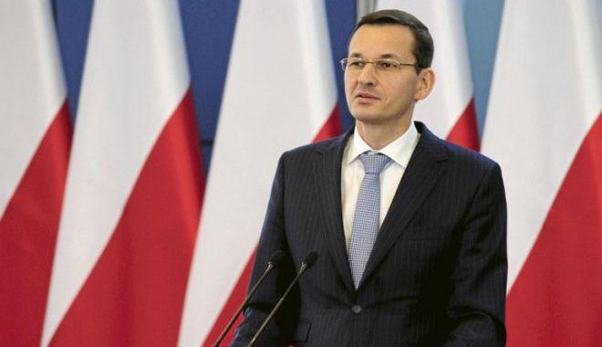 """Foto: Premierul polonez  îi critică  pe """"blatiştii""""  din NATO"""
