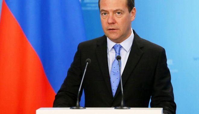 Foto: Premierul Rusiei vede o şansă pentru îmbunătăţirea relaţiilor bilaterale