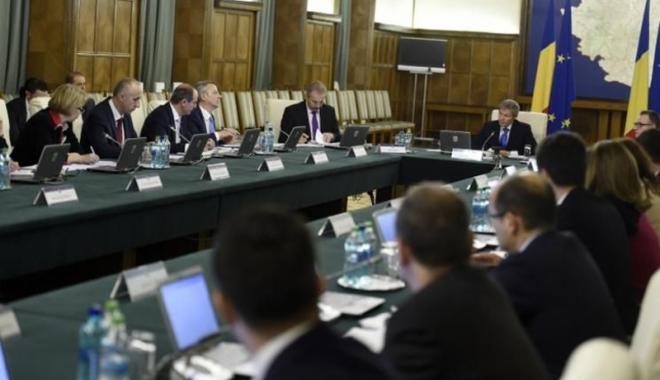 Foto: Premierul Cioloş, analiză asupra miniştrilor. Când se face publică evaluarea