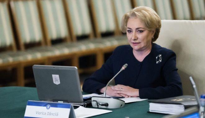 """Foto: Premierul Viorica Dăncilă: """"Pensionarii nu au niciun motiv să-şi facă griji"""""""