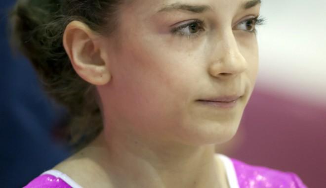 Premiu special pentru gimnasta Andreea Munteanu - premiu-1400869767.jpg