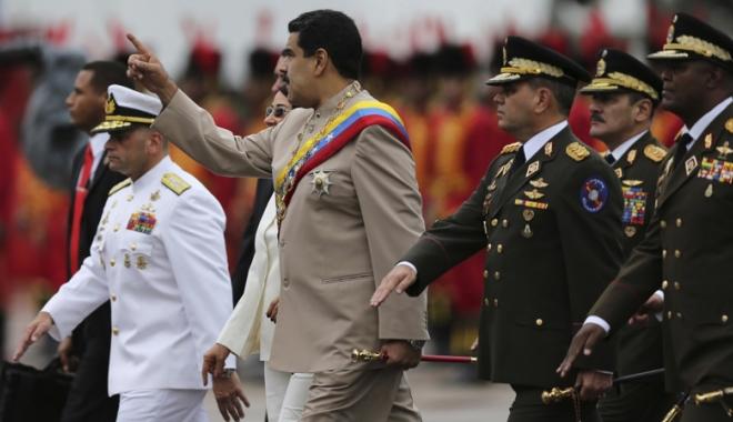 Foto: Preşedintele Venezuelei ordonă exerciţii militare după ameninţările americane