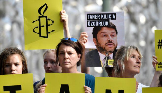 Foto: Preşedintele Amnesty International  în Turcia,  arestat din nou