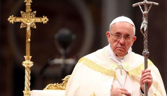 Preşedintele francez s-a întâlnit cu Papa Francisc, la Vatican - presedintele-1530014010.jpg