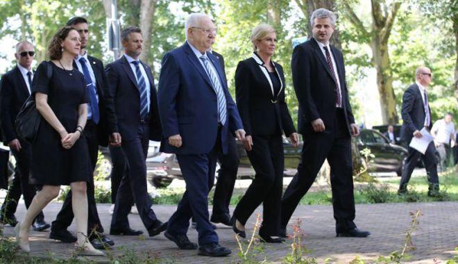 Foto: Vizită la lagărul de la Jasenovac  Preşedintele Israelului cere Croaţiei să îşi accepte trecutul