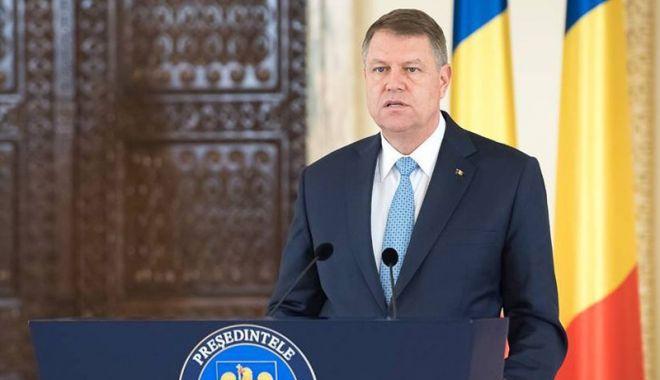 Foto: Preşedintele Klaus Iohannis a promulgat legea privind distribuţia de asigurări