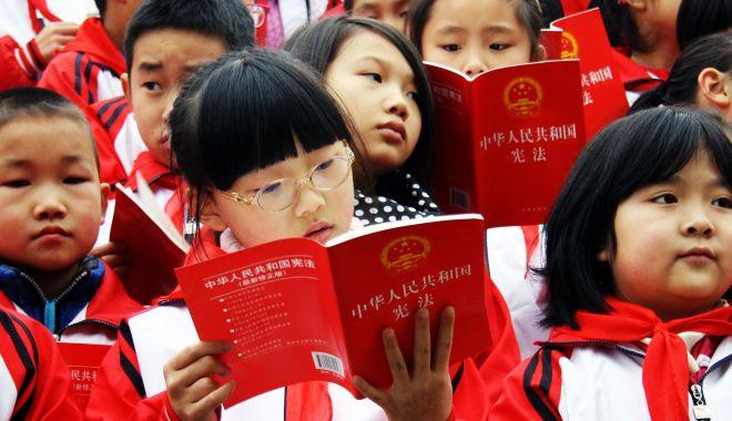 Foto: Preşedintele Chinei vrea mai multă ideologie în şcoli