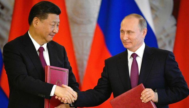 Foto: Preşedintele chinez începe o vizită de trei zile în Rusia