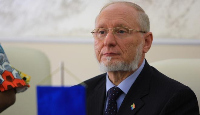 """Foto: Preşedintele Universităţii """"Andrei Şaguna"""", cercetat pentru şantaj. """"Este vorba de o provocare"""""""