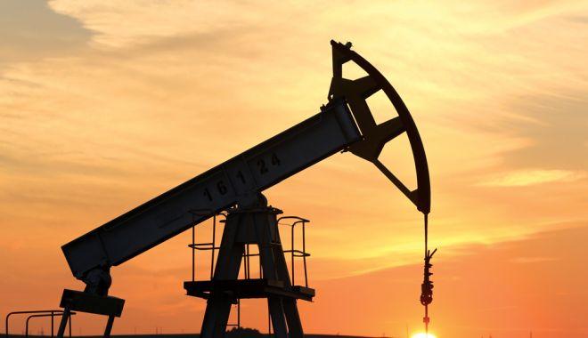 Foto: Prețul barilului de petrol se apropie de pragul de 85 de dolari