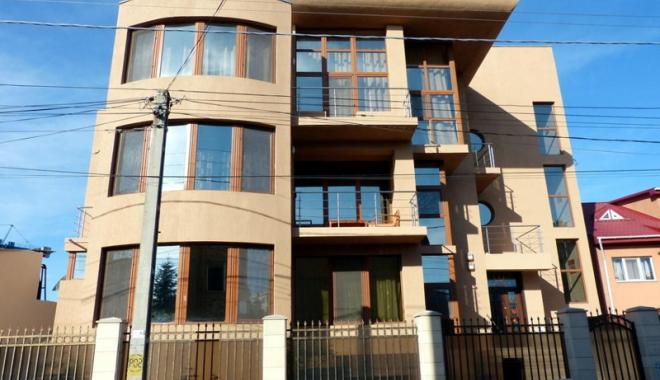 Foto: Preţurile locuinţelor au crescut artificial, avertizează agenţiile imobiliare din Constanţa