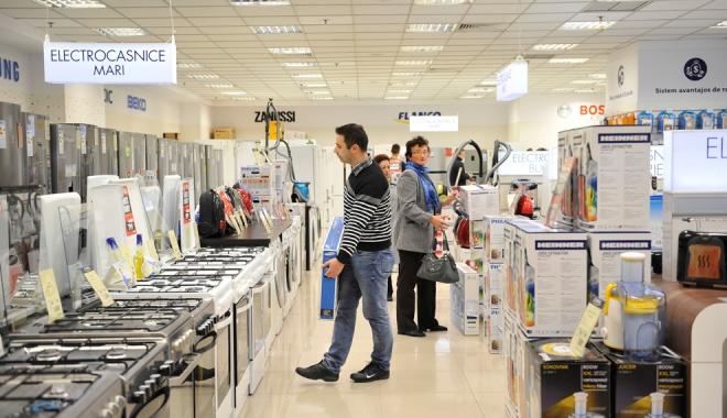 Foto: Preţurile produselor industriale au crescut cu 3,3% în decurs de un an