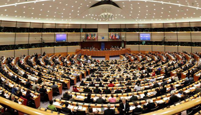 Prezenţa la vot în scădere afectează legitimitatea Parlamentului European